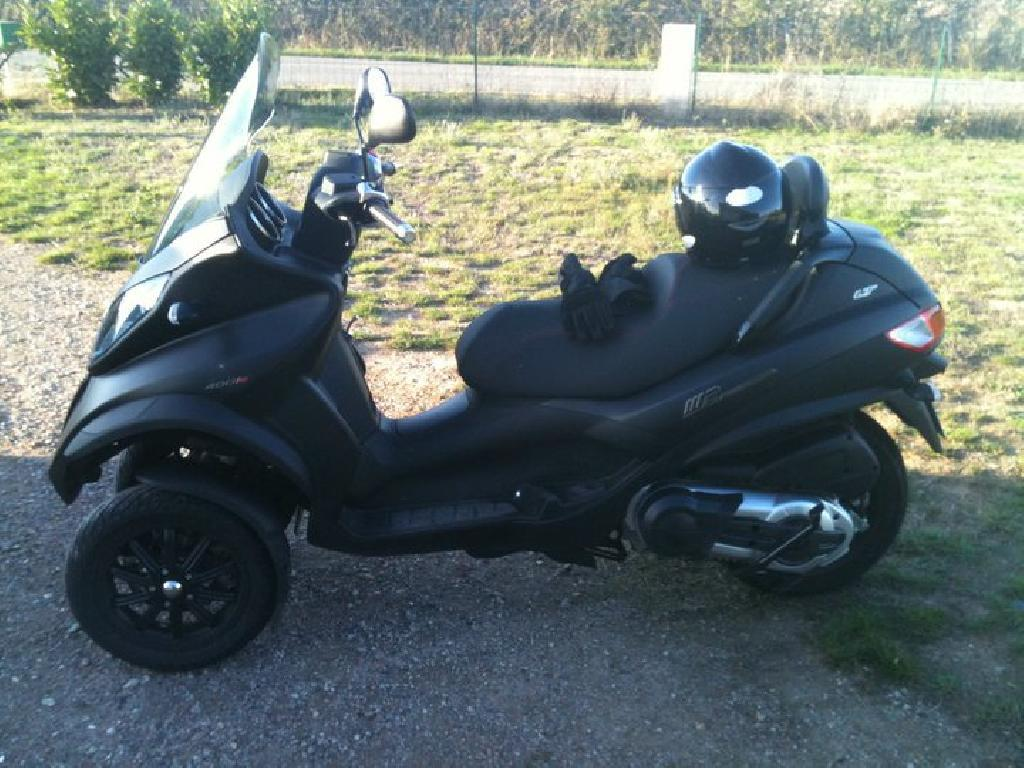 PIAGGIO MP3 400  2010 photo 2