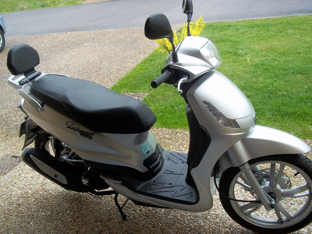 Scooter PEUGEOT Tweet 125  occasion