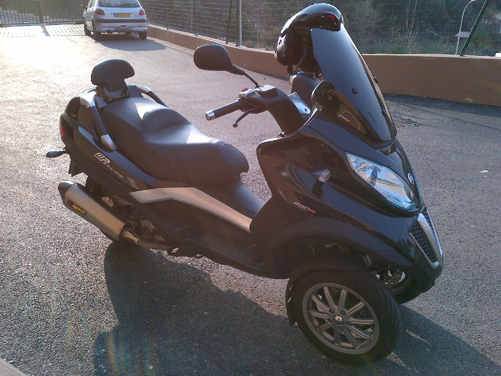 PIAGGIO MP3 400 TOURING 2011 photo 1