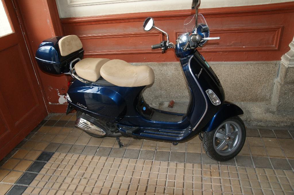 annonce scooter vespa lxv 125 occasion de 2009 44 loire atlantique nantes