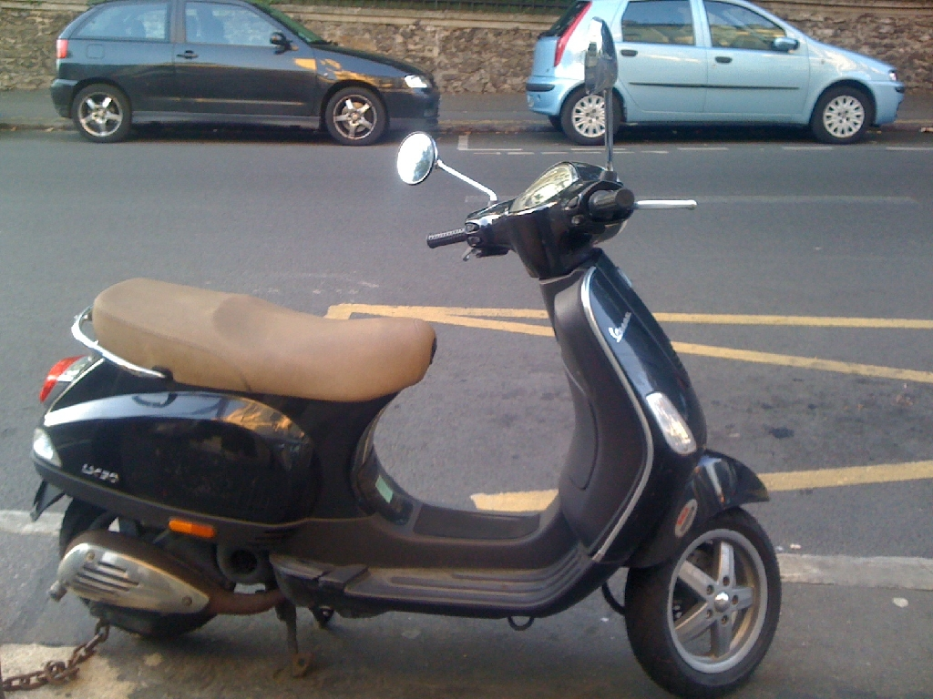 annonce scooter piaggio vespa 50 lx 2t occasion de 2008 95 val d 39 oise argenteuil. Black Bedroom Furniture Sets. Home Design Ideas