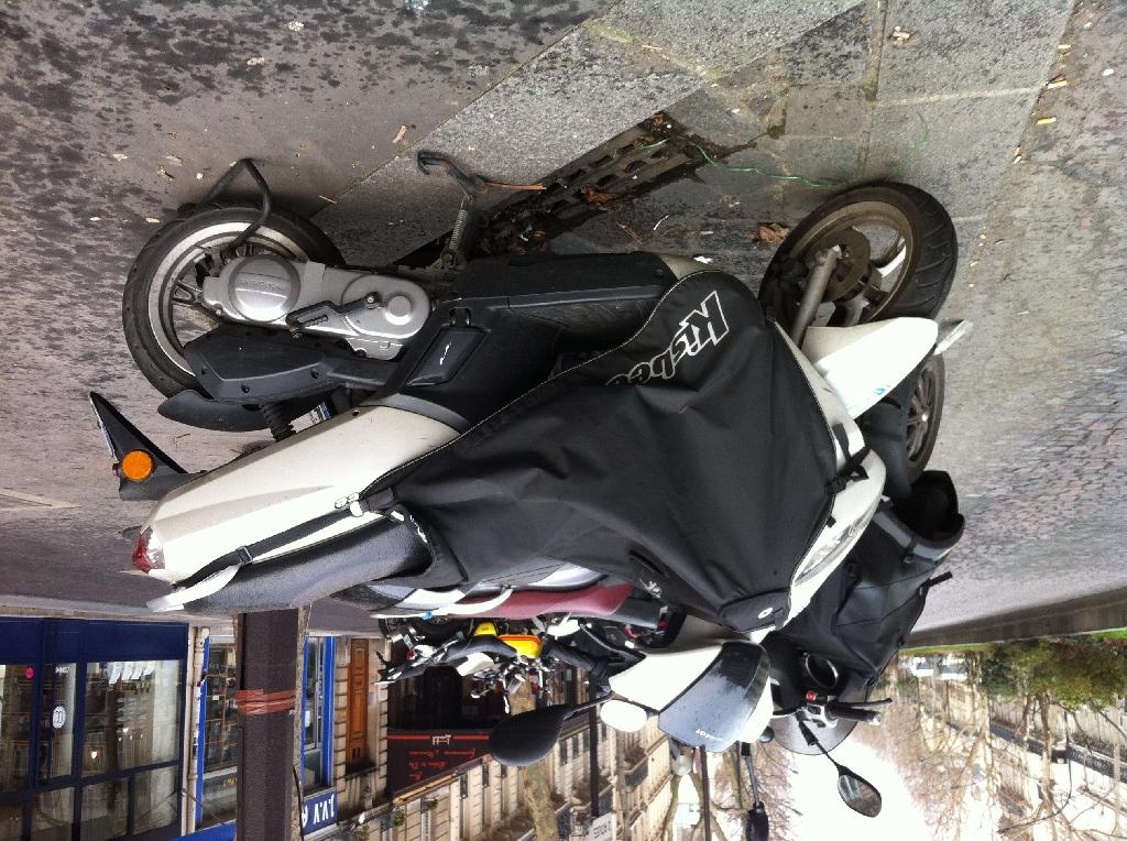Annonce scooter peugeot kisbee 50 occasion de 2010 75 for Garage scooter peugeot paris