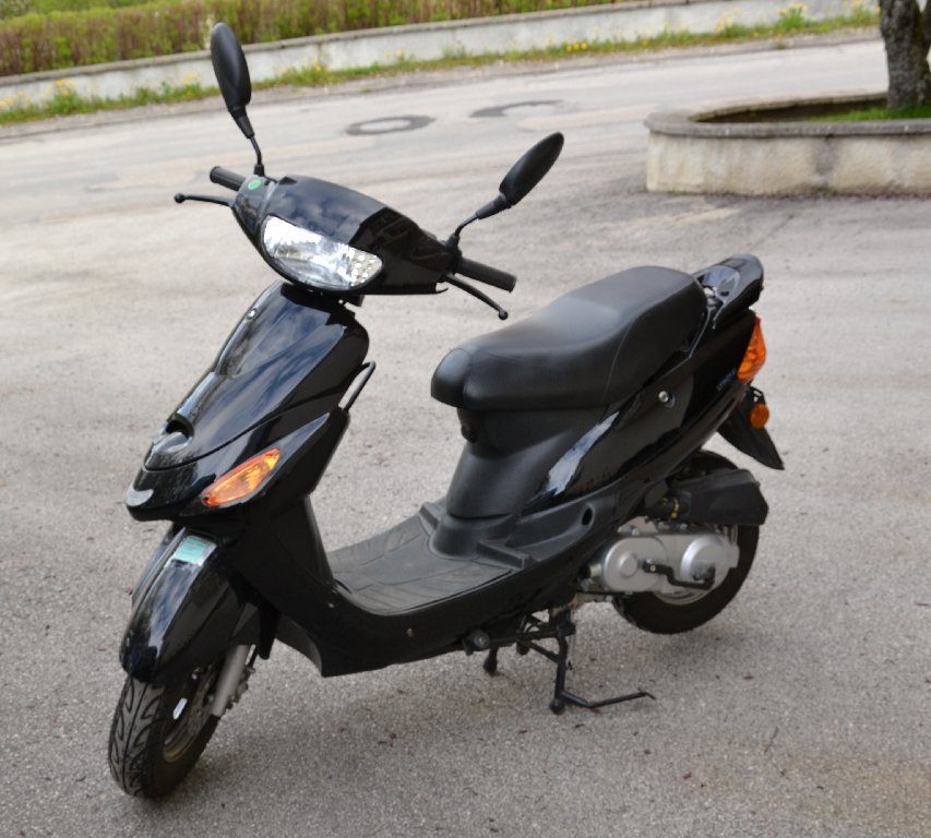 Scooter SAMPO LF50QT-21  occasion